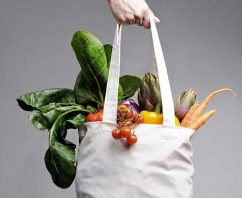 Students Promote Reusable Grocery Bags