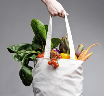 What You Need to Know About Plastic Bags vs Reusable Bags