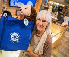 Eco-Friendly Bags Only at 19 American Aquariums That Phase Out Plastic